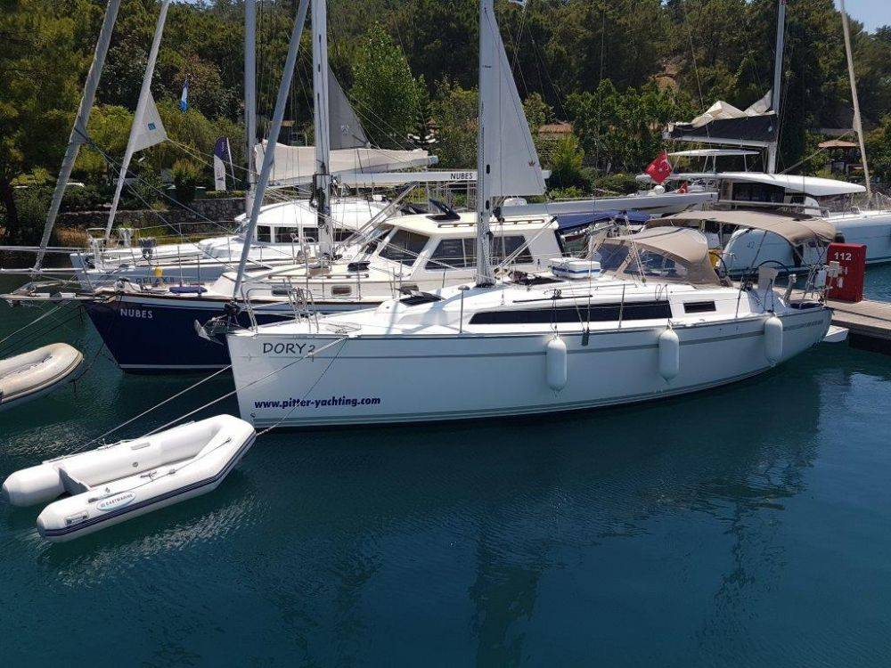 Bavaria Cruiser 34 Dory 2