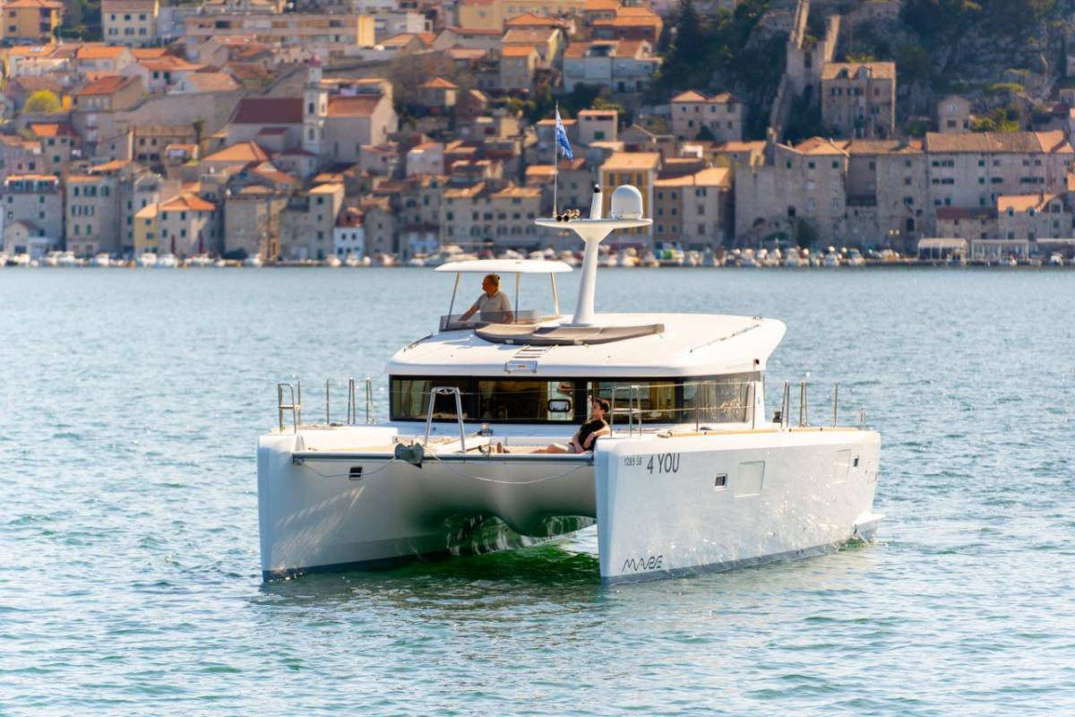 Lagoon 40 MotorYacht 4 YOU